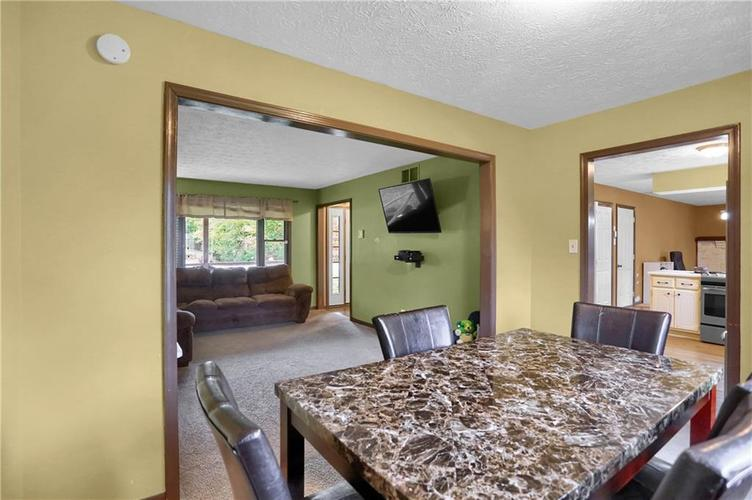 5303 W Thompson Road Indianapolis, IN 46221 | MLS 21675744 | photo 8