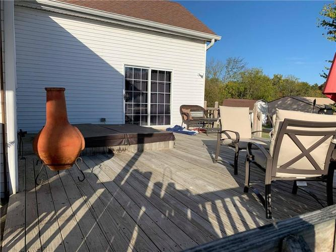 16796 E State Road 46 Columbus, IN 47203 | MLS 21675761 | photo 17
