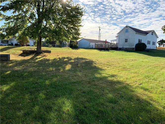 16796 E State Road 46 Columbus, IN 47203 | MLS 21675761 | photo 25
