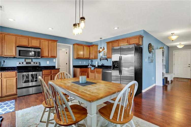 2041 Treving Drive Cicero, IN 46034 | MLS 21675778 | photo 10