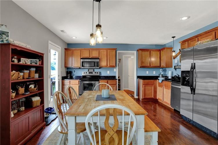 2041 Treving Drive Cicero, IN 46034 | MLS 21675778 | photo 7