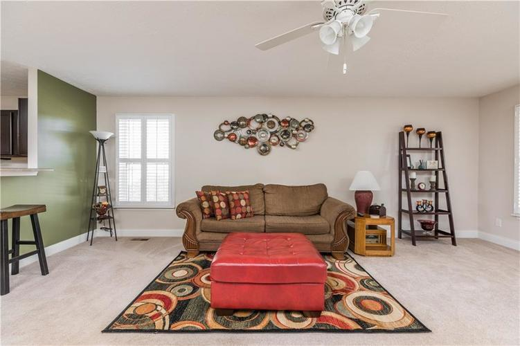 5786 Hall Road Plainfield, IN 46168 | MLS 21675841 | photo 6