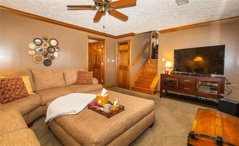 11044 Whistler Drive Indianapolis, IN 46229 | MLS 21675847 | photo 19