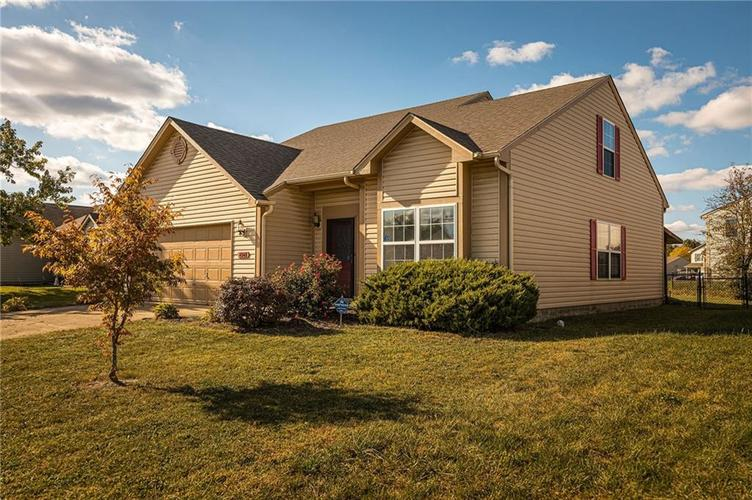 4348 VESTRY Place Indianapolis, IN 46237 | MLS 21675856 | photo 2