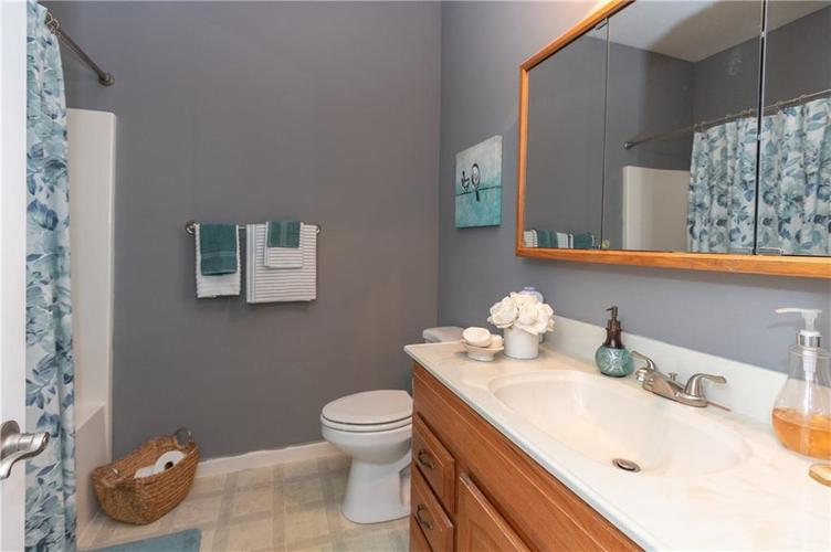 5630 Sweet River Drive Indianapolis, IN 46221 | MLS 21675865 | photo 9