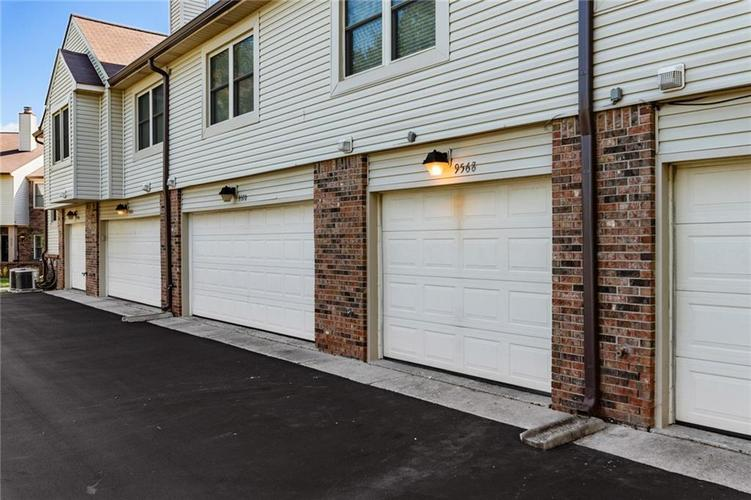 9568 Maple Way Indianapolis, IN 46268   MLS 21675883   photo 19