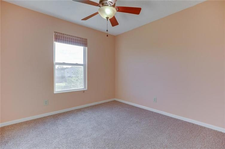 1781 Blue Grass Parkway Greenwood, IN 46143 | MLS 21675988 | photo 20