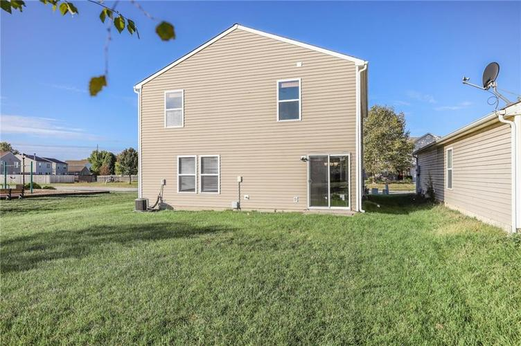 1781 Blue Grass Parkway Greenwood, IN 46143 | MLS 21675988 | photo 28