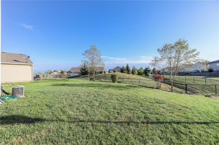 1781 Blue Grass Parkway Greenwood, IN 46143 | MLS 21675988 | photo 29