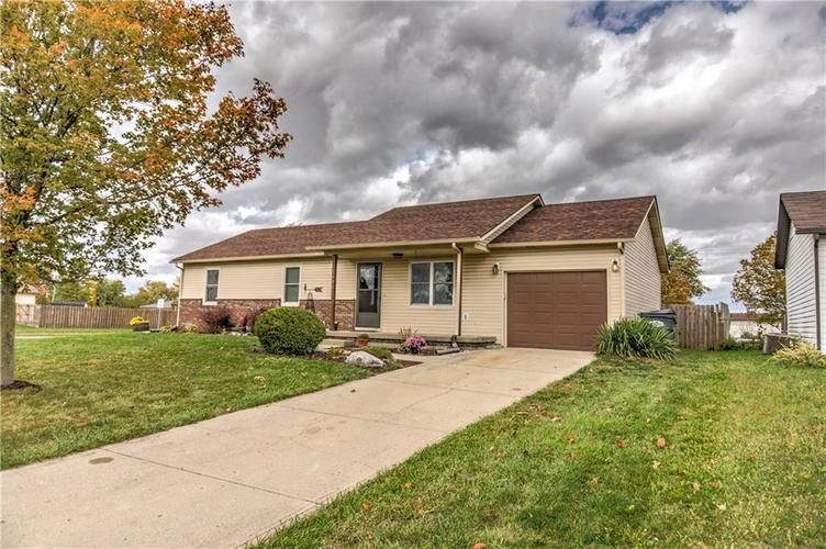 5680 Donald Court Camby, IN 46113 | MLS 21676143 | photo 1
