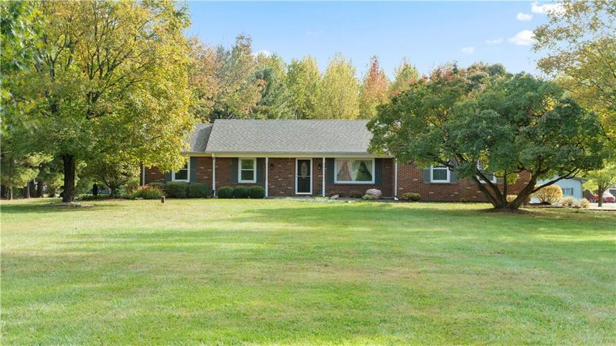 9583 S County Road 100 E Clayton, IN 46118 | MLS 21676167 | photo 1