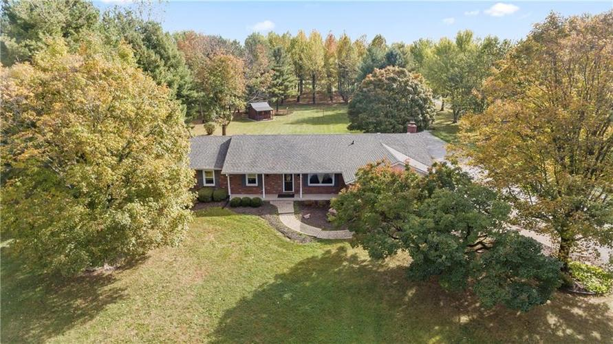 9583 S County Road 100 E Clayton, IN 46118 | MLS 21676167 | photo 2