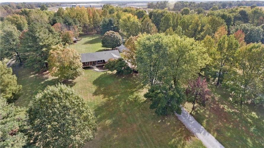 9583 S County Road 100 E Clayton, IN 46118 | MLS 21676167 | photo 3