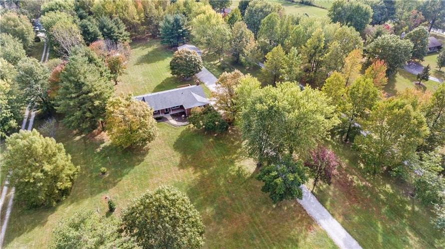 9583 S County Road 100 E Clayton, IN 46118 | MLS 21676167 | photo 8