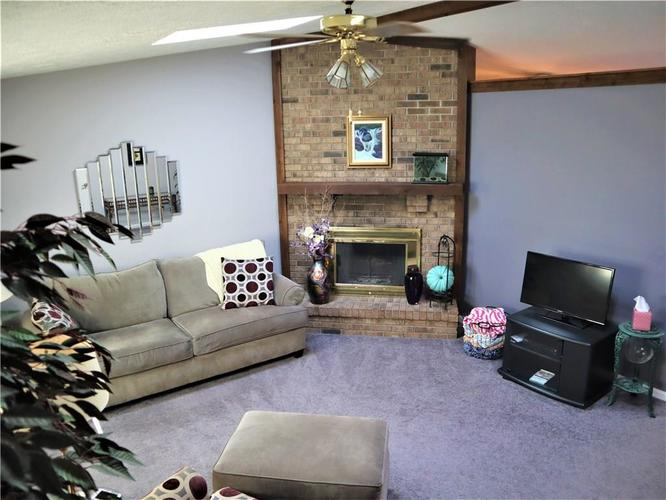 8809 Summer Walk Drive E Indianapolis, IN 46227 | MLS 21676170 | photo 9