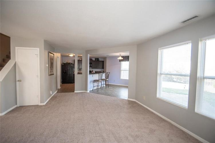 12362 Teacup Way Indianapolis, IN 46235 | MLS 21676179 | photo 11