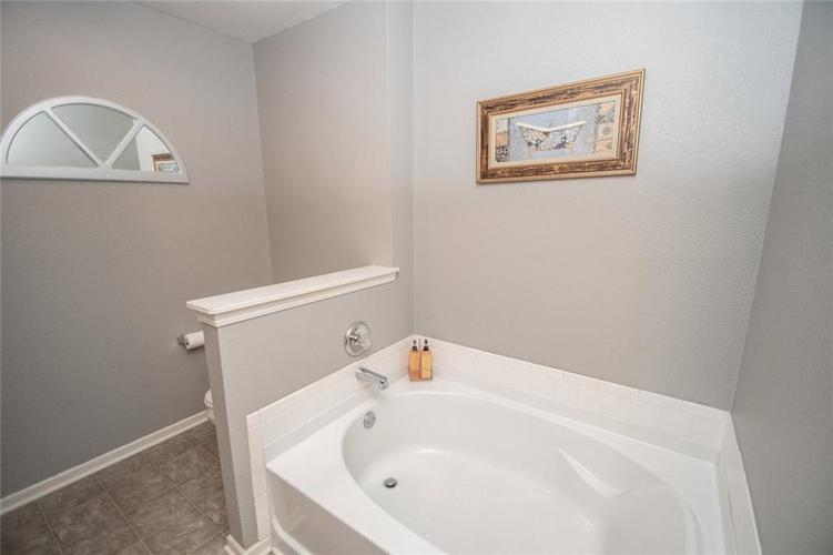 12362 Teacup Way Indianapolis, IN 46235 | MLS 21676179 | photo 32