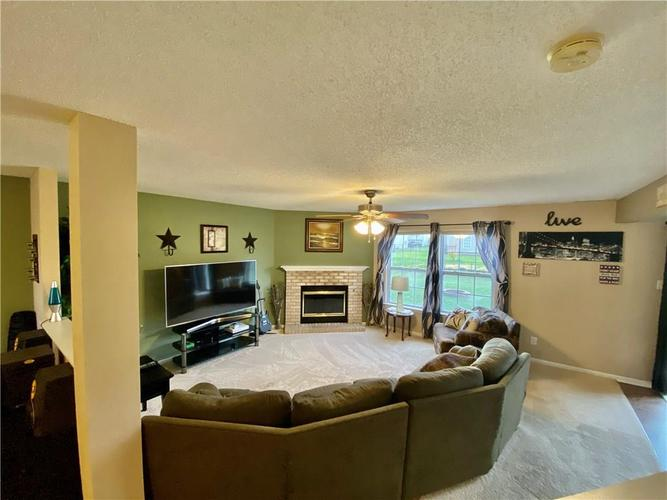 8750 Orchard Grove Lane Camby, IN 46113 | MLS 21676184 | photo 2