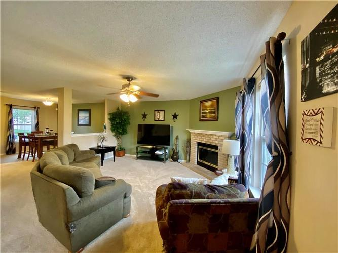 8750 Orchard Grove Lane Camby, IN 46113 | MLS 21676184 | photo 4