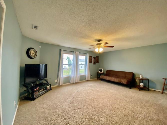 8750 Orchard Grove Lane Camby, IN 46113 | MLS 21676184 | photo 7