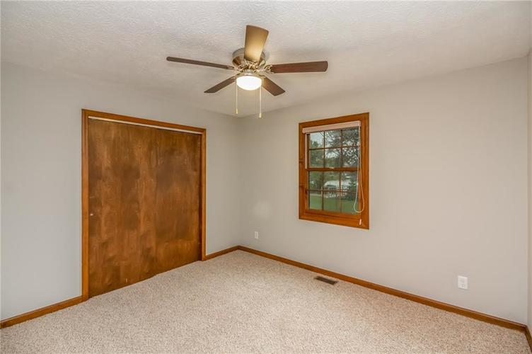 197 Spring Meadow Lane Greenwood, IN 46143 | MLS 21676200 | photo 15
