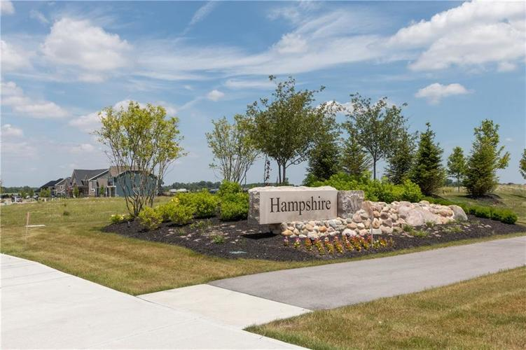 4651 Kettering Place Zionsville, IN 46077 | MLS 21676260 | photo 2