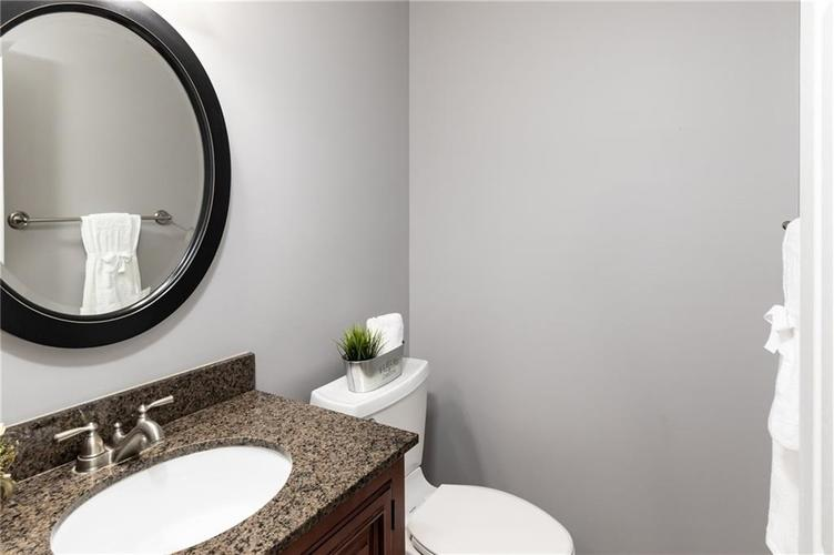 8646 Knollway Court Fishers, IN 46038 | MLS 21676292 | photo 10