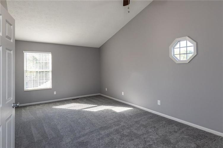 8646 Knollway Court Fishers, IN 46038 | MLS 21676292 | photo 11