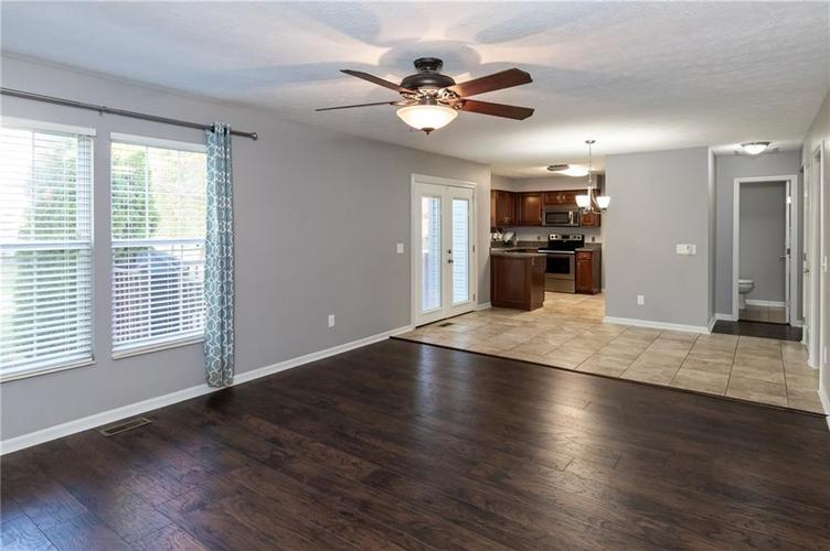 8646 Knollway Court Fishers, IN 46038 | MLS 21676292 | photo 8