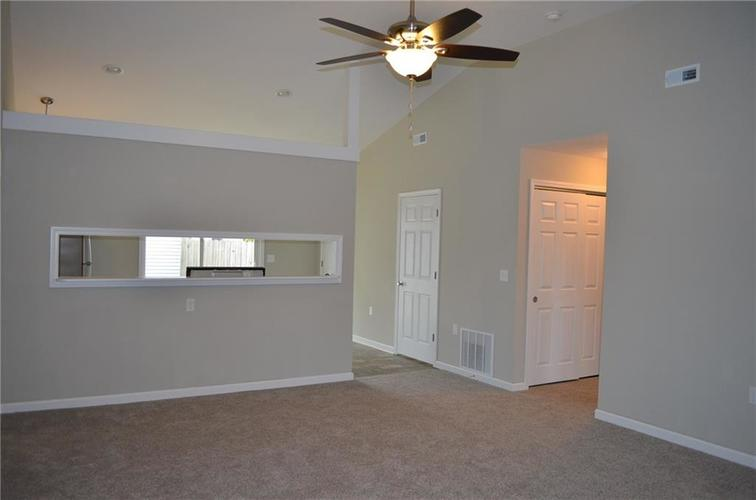 5305 Chisolm Trail Indianapolis, IN 46237   MLS 21676340   photo 12