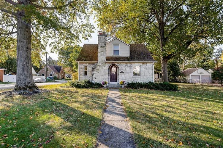 2429 BAUR Drive Indianapolis, IN 46220 | MLS 21676366 | photo 2