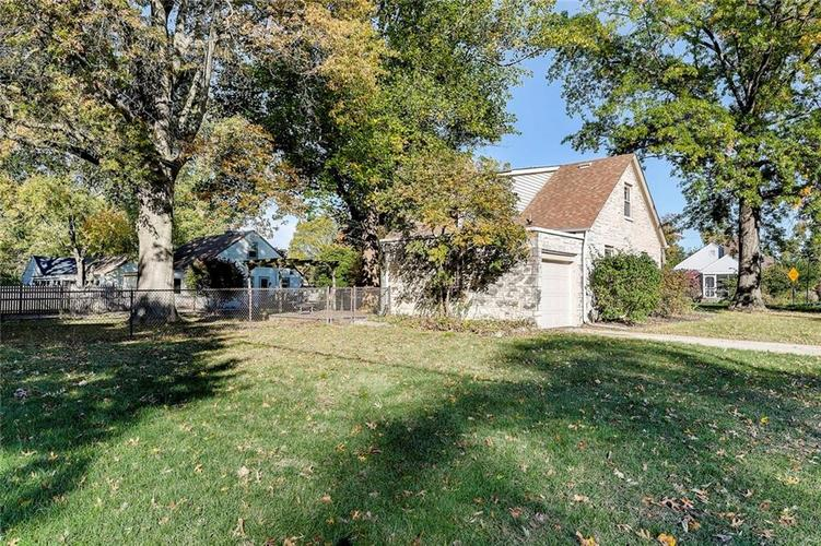 2429 BAUR Drive Indianapolis, IN 46220 | MLS 21676366 | photo 8