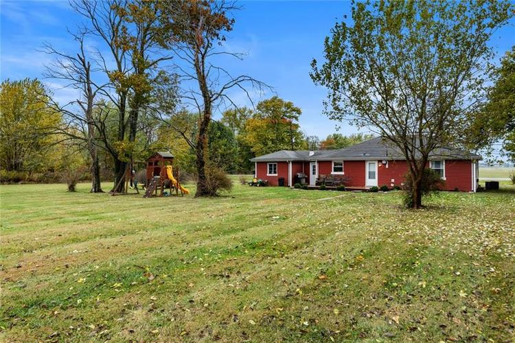 3389 E State Road 236 Anderson, IN 46017 | MLS 21676384 | photo 17