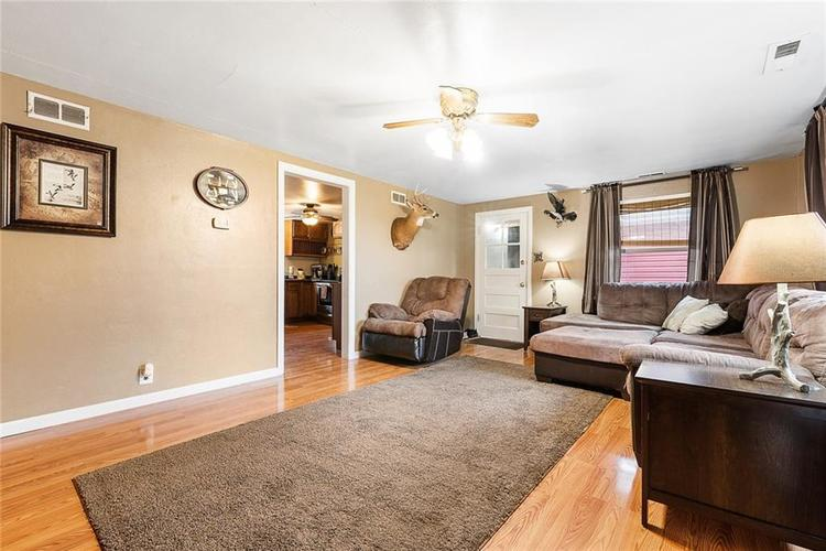 3389 E State Road 236 Anderson, IN 46017 | MLS 21676384 | photo 6