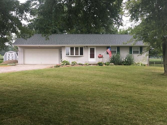 4577 W County Road 400 S Danville, IN 46122 | MLS 21676402 | photo 1