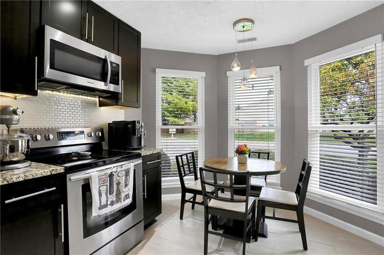 9520 Settlement Drive W Indianapolis, IN 46250 | MLS 21676414 | photo 8