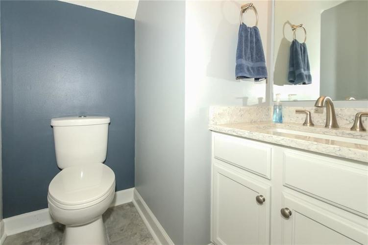 7105 Allegan Drive Indianapolis, IN 46217 | MLS 21676442 | photo 11