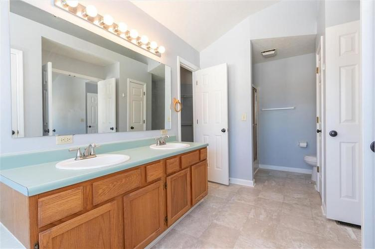 6336 Fountain Springs Boulevard Indianapolis, IN 46236 | MLS 21676479 | photo 17