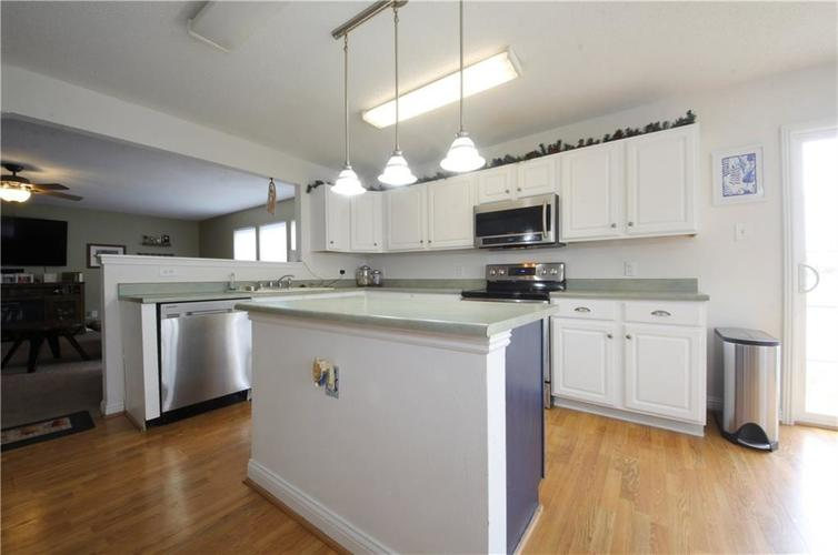 1672 Howell Drive Indianapolis, IN 46231 | MLS 21676555 | photo 2