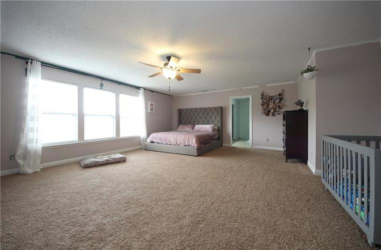 1672 Howell Drive Indianapolis, IN 46231 | MLS 21676555 | photo 4