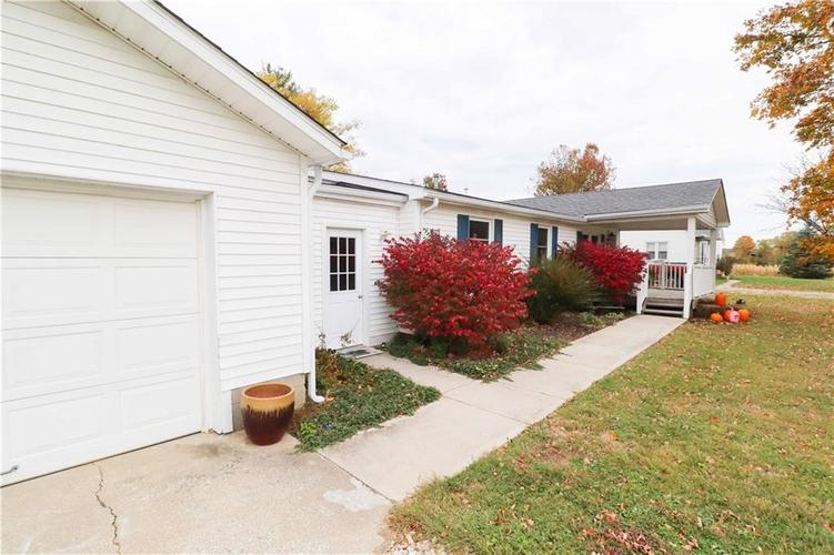 3154 E Co Rd 300 South Greensburg, IN 47240 | MLS 21676586 | photo 2