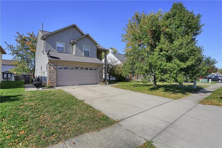 8420 Fort Sumter Drive Indianapolis, IN 46227 | MLS 21676645 | photo 2