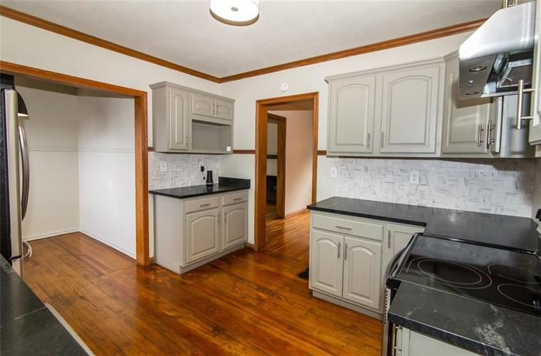 988 N CAMPBELL Avenue Indianapolis, IN 46219 | MLS 21676664 | photo 10