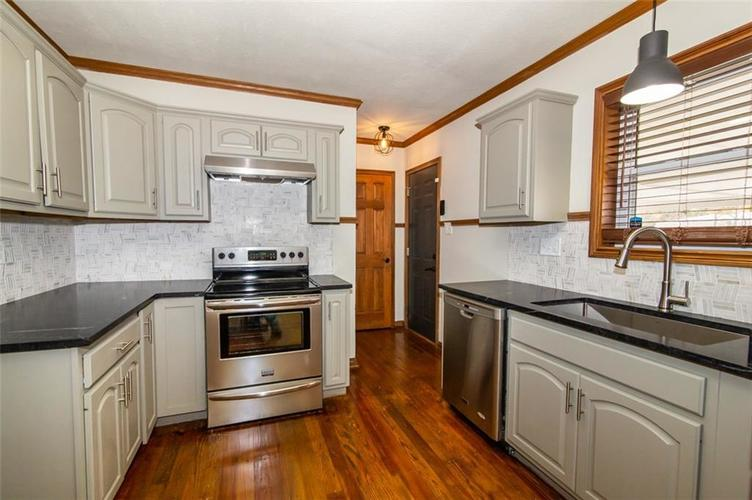 988 N CAMPBELL Avenue Indianapolis, IN 46219 | MLS 21676664 | photo 11