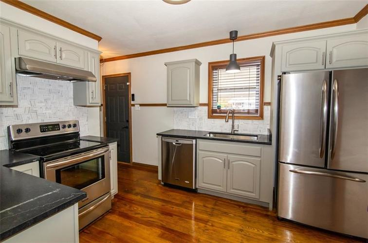988 N CAMPBELL Avenue Indianapolis, IN 46219 | MLS 21676664 | photo 13