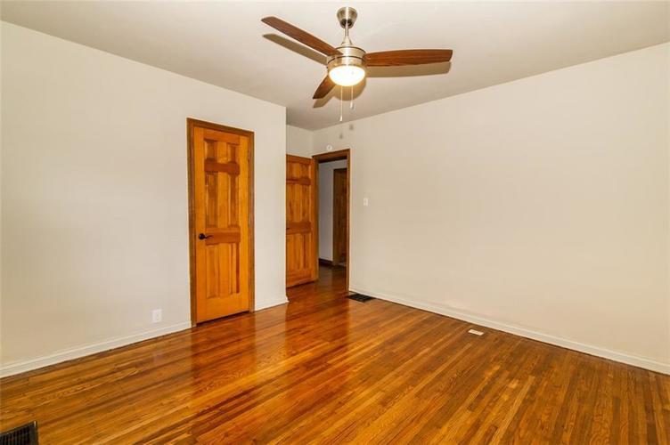 988 N CAMPBELL Avenue Indianapolis, IN 46219 | MLS 21676664 | photo 15