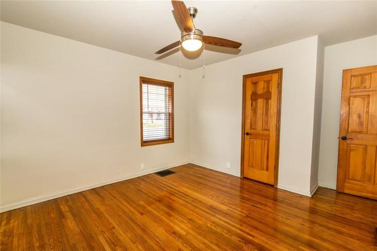 988 N CAMPBELL Avenue Indianapolis, IN 46219 | MLS 21676664 | photo 16