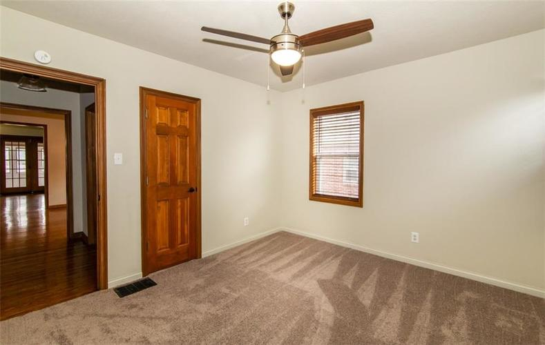 988 N CAMPBELL Avenue Indianapolis, IN 46219 | MLS 21676664 | photo 17