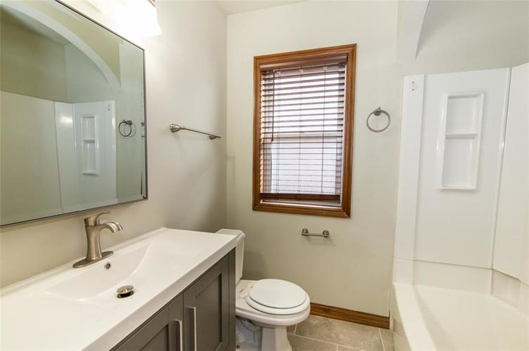 988 N CAMPBELL Avenue Indianapolis, IN 46219 | MLS 21676664 | photo 19