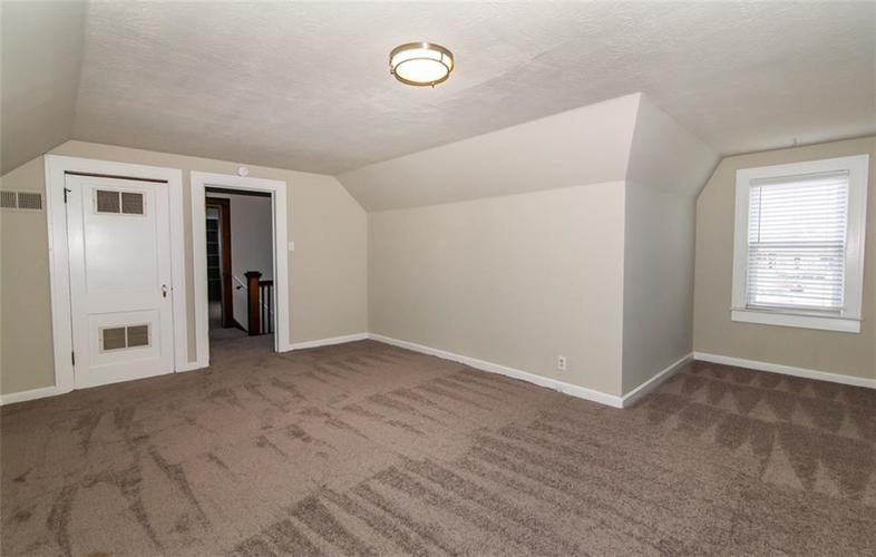 988 N CAMPBELL Avenue Indianapolis, IN 46219 | MLS 21676664 | photo 21